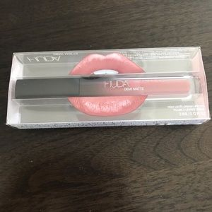 Huda beauty demi matte cream lipstick in sheEo!
